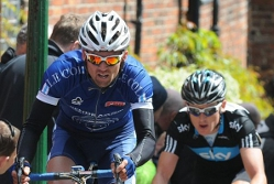 Yanto leads Olympic gold medallist Geraint Thomas up Lincoln Hill