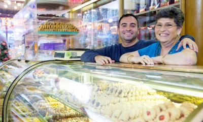Couple in shop - secrets of successful family businesses