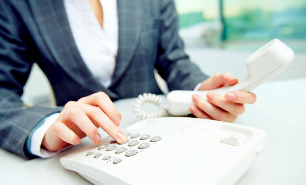 Everything you need to know when choosing your business phone number{{}}